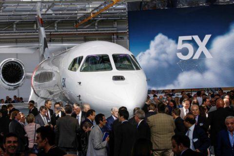 Am 2. Juni wurde die erste Falcon 5X in Bordeaux präsentiert.