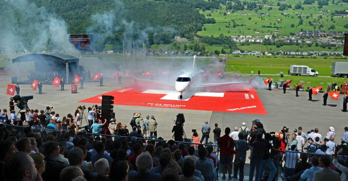 Rund 35.000 Besucher waren Anfang August nach Stans im Kanton Nidwalden gekommen, um den Rollout der PC-24, das 75-jährige Bestehen von Pilatus und den Schweizer Nationalfeiertag zu zelebrieren.