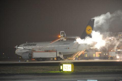 Enteisung vor dem Flug ist enorm wichtig. Bild: Deutsche Lufthansa