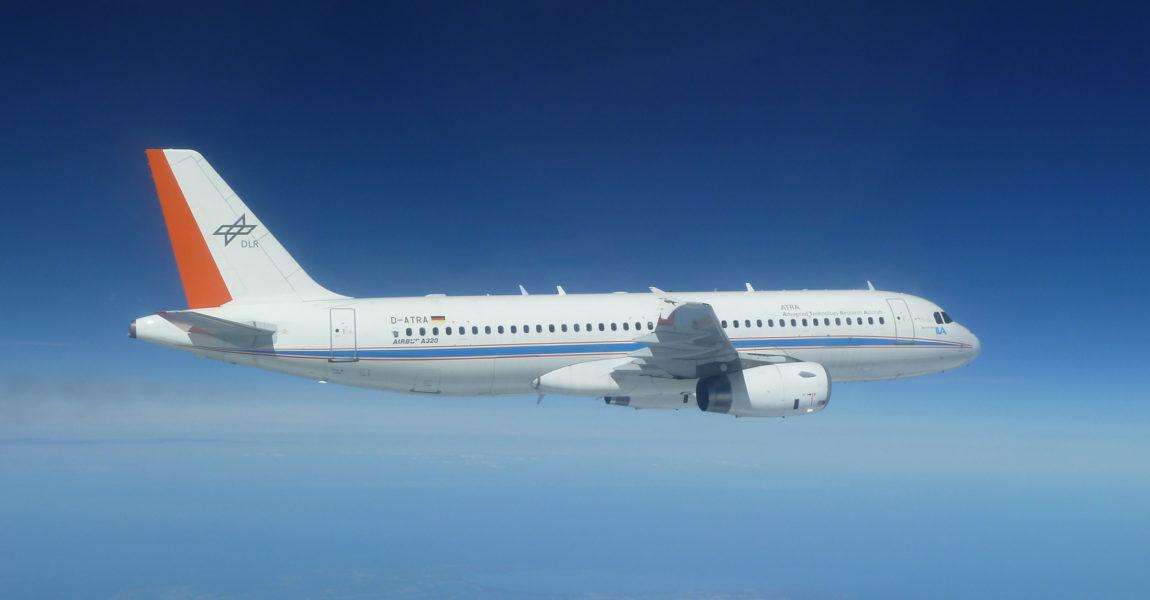 Der Airbus A320 mit dem Kennzeichen D-ATRA ist das größte Luftfahrzeug in der DLR-Flotte. Seit Ende 2008 wird der Jet als äußerst flexibel nutzbare Flugversuchsplattform eingesetzt. Bild: DLR