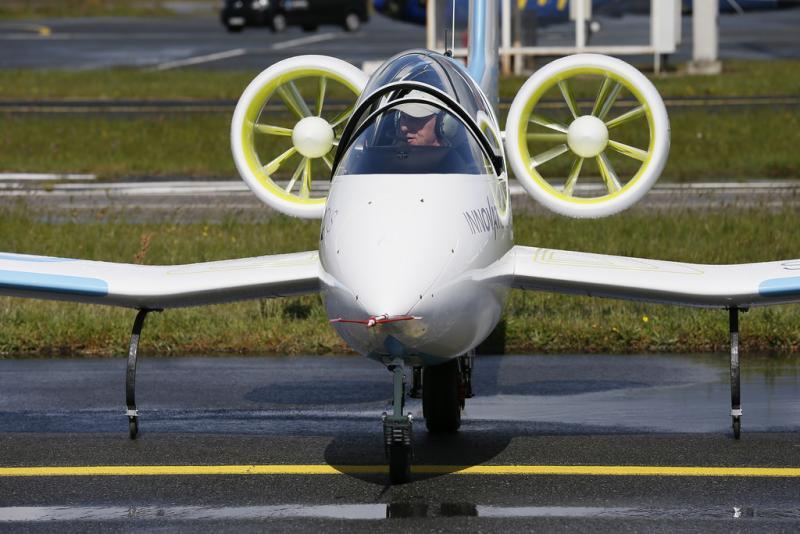 Der schnelle «E-Fan» soll bald als Schulungsflugzeug für Nachwuchspiloten eingesetzt werden. Bild: Airbus Group