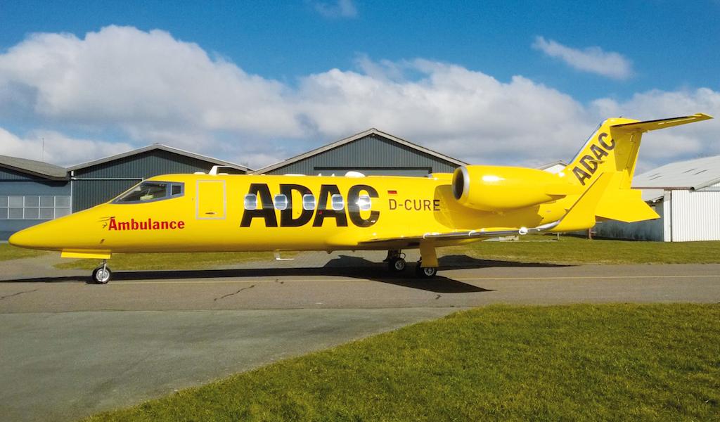 Learjet 60XR: Der neue Ambulanzjet in ADAC-Gelb. Bild: ADAC / Aero-Dienst