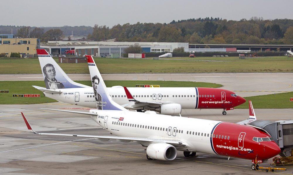 Norwegian Erstflug Alicante, 1.11.13, 2 Norwegian Jets nebeneinander