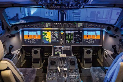 Das Cockpit der A220 mit Fly-by-wire-System