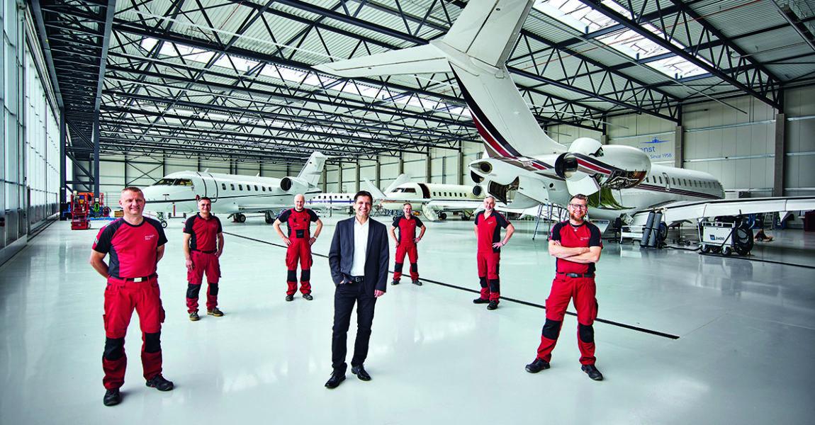 Die sieben Spezialisten des Aero-Diensthaben jahrzehnte-lange Erfahrung in der Wartung von Business Jets
